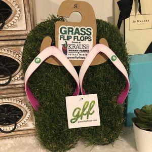 Grass FlipFlops